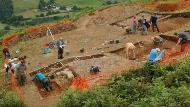Hallan misteriosas herramientas de piedra en un yacimiento de la Edad del Bronce