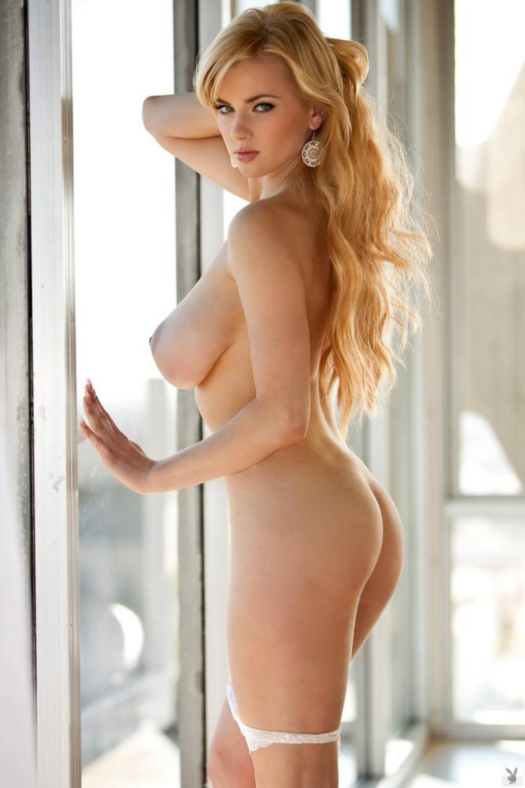 Busty Naked Woman 88