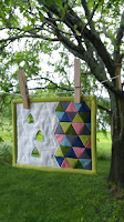 Make Modern triangle mini mini quilt