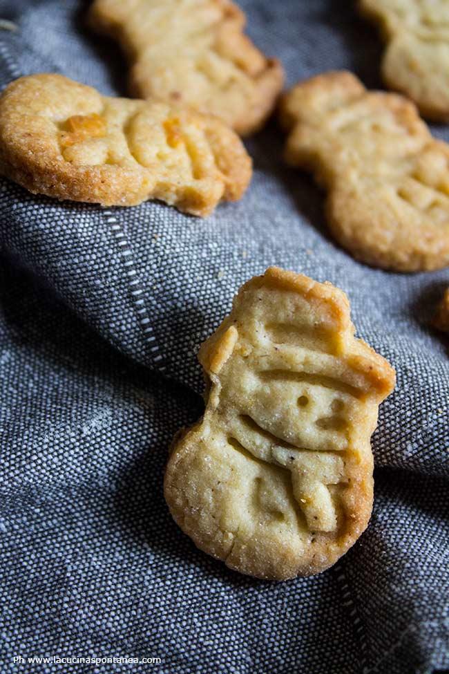 biscotto a forma di omino di neve