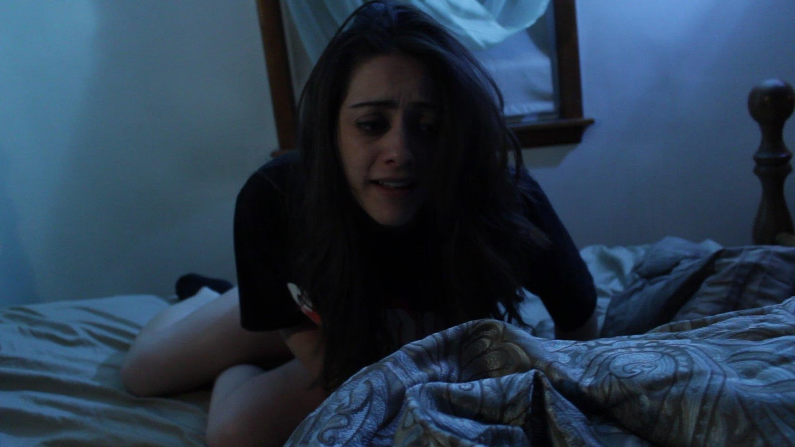 """movie review the poltergeist Overall, """"poltergeist (2015)"""" is an updated replica of the original 1982 horror classic that has a lazy script, an uninterested cast, and an uninteresting premise that brings nothing new to."""