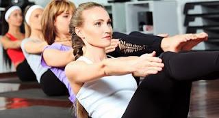 """<img src=rutina-de-ejercicio-físico.jpg"""" alt=""""el ejercicio físico te ayuda a estar en buena forma y a mantener tu figura"""">"""