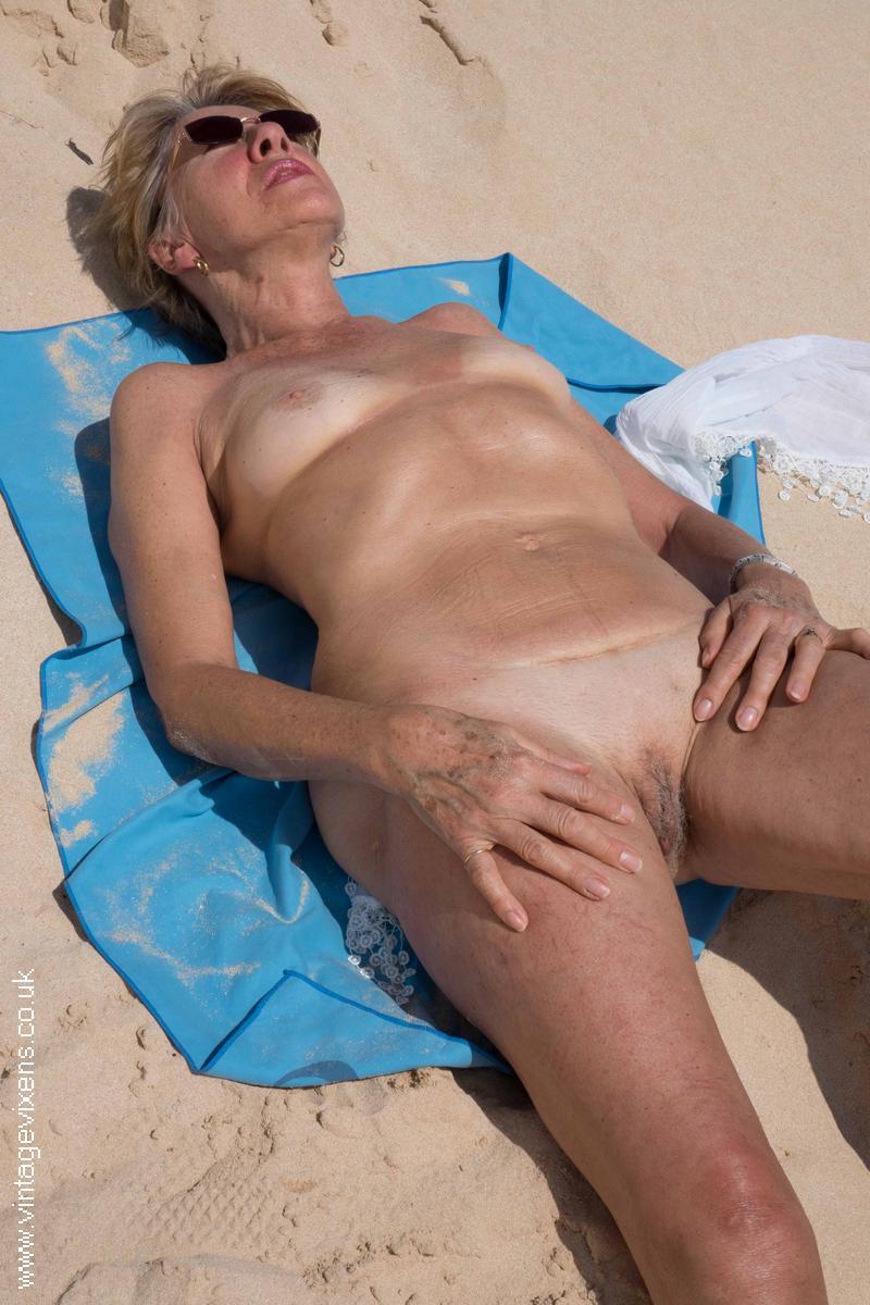 Free Nude Granny Photos