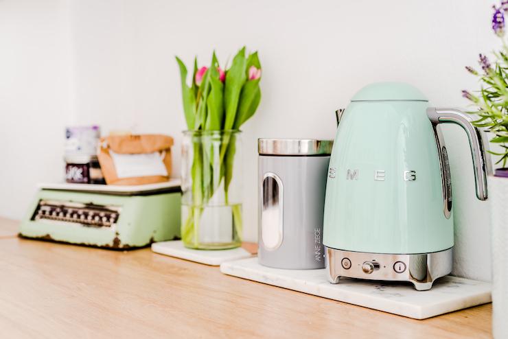 Smeg Kühlschrank Beige : Smeg hausgeräte bei höffner möbel höffner