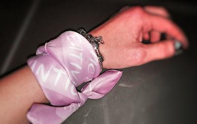 Foto di foulard come bracciale