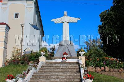 Ивье. Статуя Иисуса