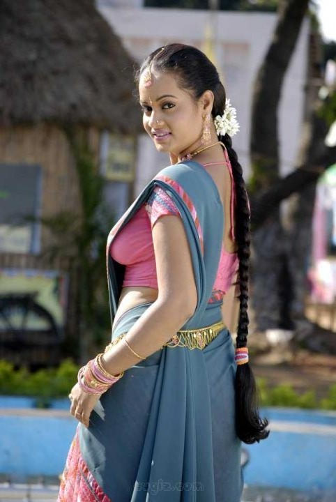 Suja Varunee hot saree backside