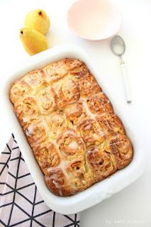 Seelenfutter... Kanelbullar... Cinnamonrolls... Zimtschnecken mit Kardamom und Birne, Rezept bei kebo homing, Südtiroler Food- und Lifestyleblog, Foodstyling und Fotografie
