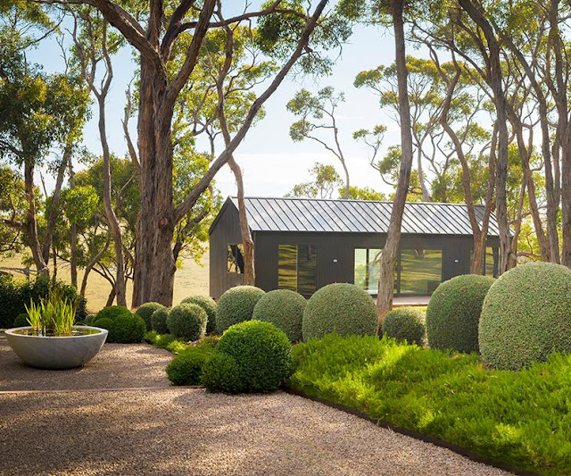 Casa tr s chic for Australian country garden design
