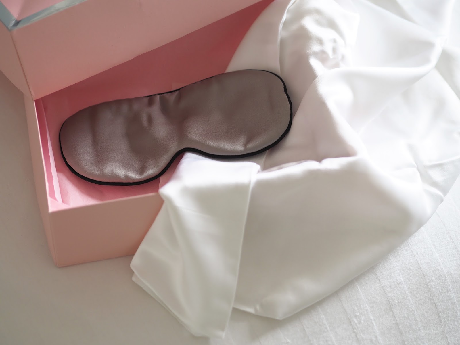 Silk pillowcase and large silver eye mask from Chichouz for better skin and hair \ beauty \ skincare \ Priceless Life of Mine \ 40 plus lifestyle blog
