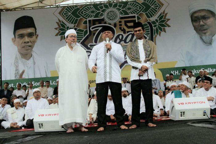 Gatot memberikan sambutan dihadapan warga Sumut.