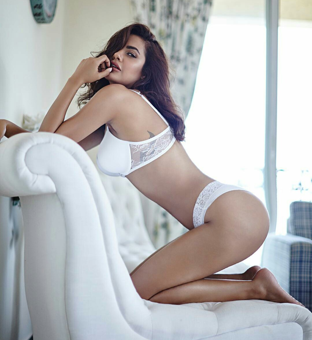 Esha Gupta hot white bikini photoshoot hd Photos