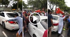 Thumbnail image for (Video) Hon Secara Berterusan Semasa Sembahyang Jumaat, Tunjuk Isyarat Lucah, Lelaki Cina Ini Dibelasah