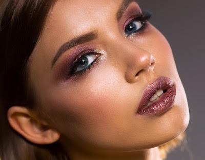 Tips Make Up Dengan Cepat Bagi Perempuan