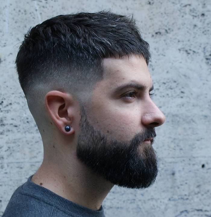 "This cut has become very popular among young people, children and adults, everyone wants to make this type of cut to be ""in fashion""."