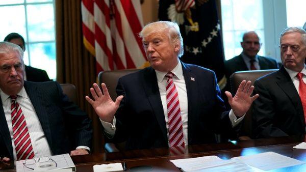 Proyecto de ley propone impedir que Trump borre sus tuits