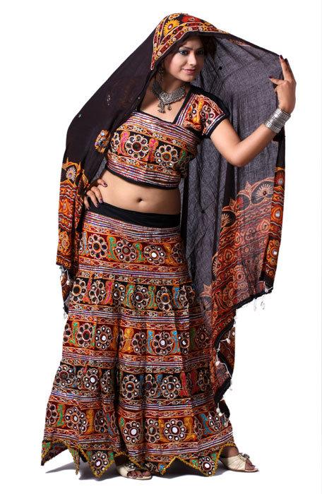 e14bef9ecd Buy Designer Chaniya Choli and Ghagra Choli Online this Navratri for Garba