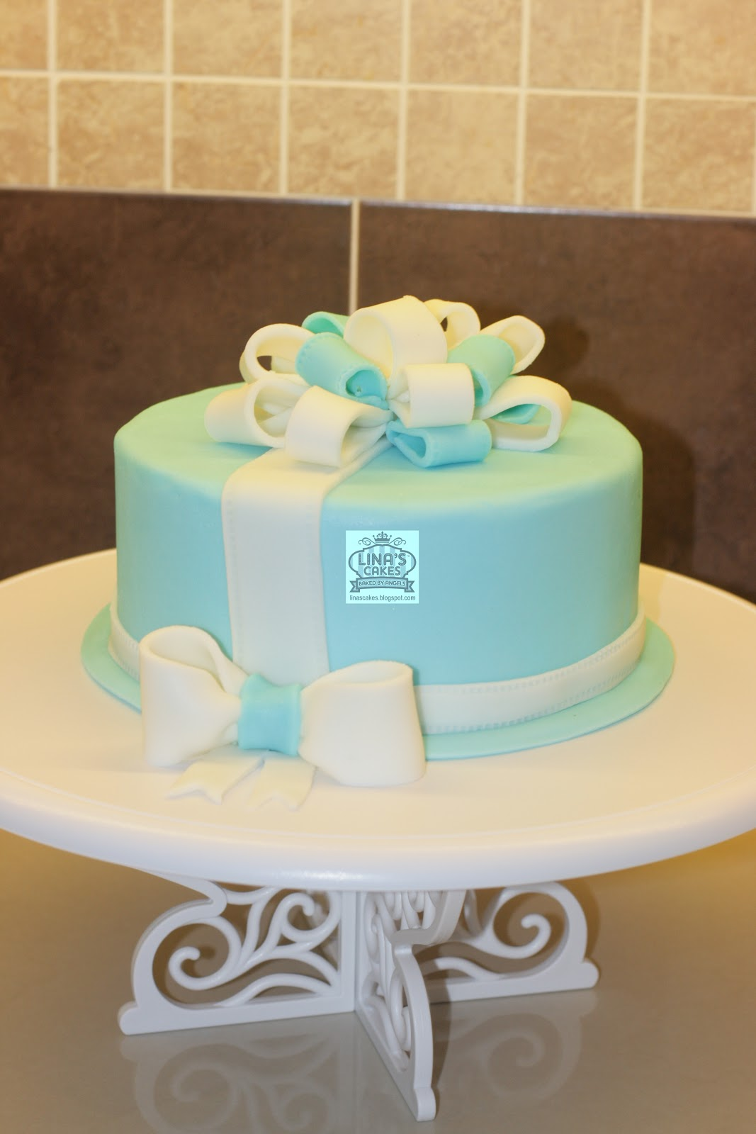 Linascakes Baked By Angels Fondant Bow Loops Cake