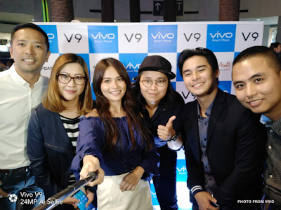 Vivo and Ayala Malls Officials All Smiles