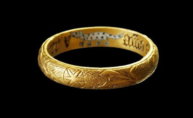Middle Ages 'love ring' found in the Netherlands