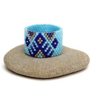 купить Широкое кольцо в стиле бохо. Авторское украшение из бисера