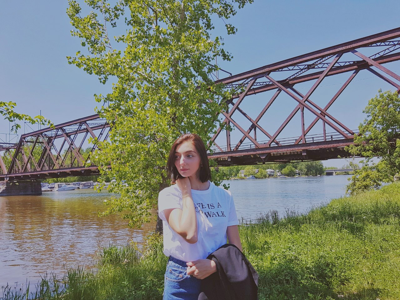 jean shorts, graphic tee, blazer, Zara, forever 21, summer, OOTD, outfit, street style, personal style, Montreal, fashion blogger, lifestyle
