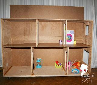 как собрать кукольный домик из подручных материалов, как укрепить стены кукольного домика, кукольный домик из фанеры своими руками