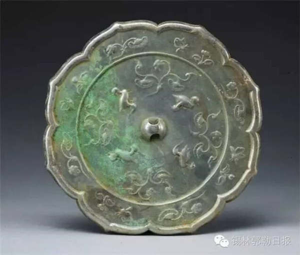 Treasures unearthed in concubine tomb from Liao Dynasty