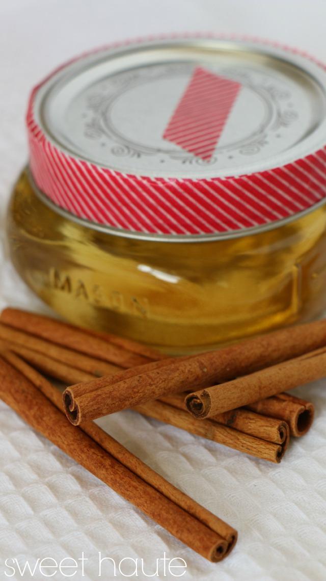 http://sweethaute.blogspot.com/2015/02/cinnamon-bun-diy-massage-oil.html