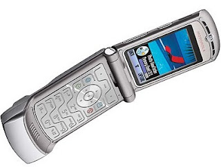 Motorola's RAZR is returning as a Foldable Phone with cost around $1,500
