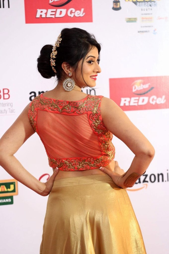 Harshika Poonacha Spicy Hot at Mirchi Awards 2017 Stills