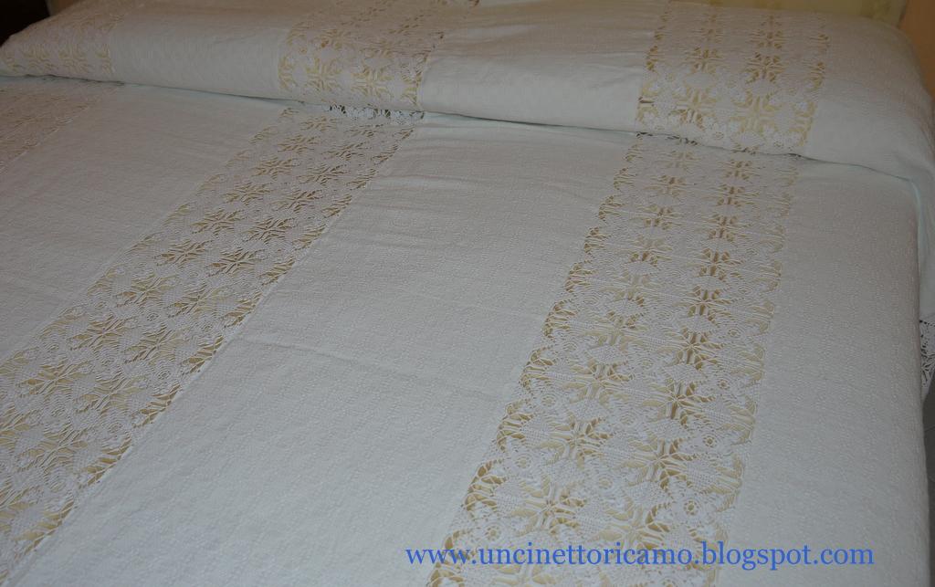 Uncinetto ricamo copriletto uncinetto e lino for Come costruire un aggiunta coperta