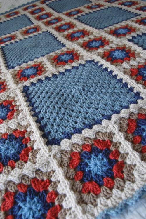 Patchwork Granny Square Blanket  - Free Pattern