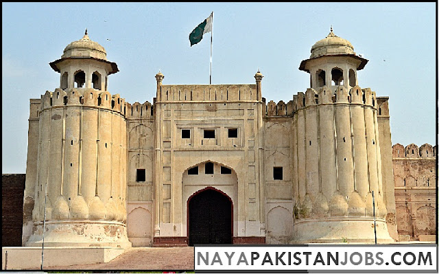 Lahore Fort, Places to visit in Pakistan, best places in Pakistan to Visit
