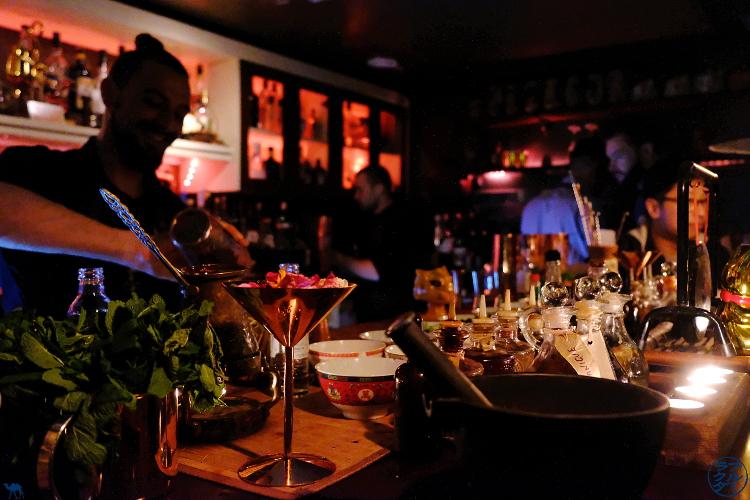 Le Chameau Bleu - Blog Voyage Londres - Opium Bar dans le Chinatown londonien