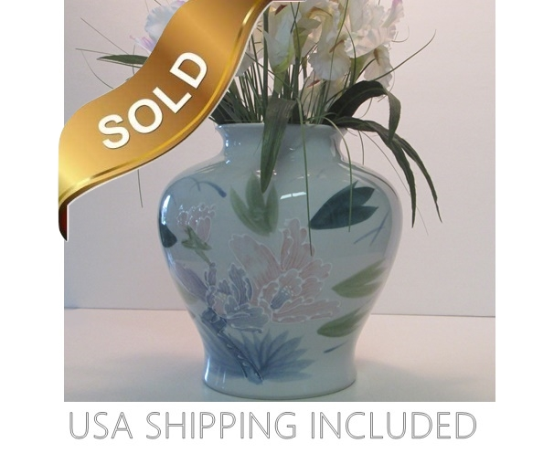 Porcelain Vase with Moriage Style Flowers