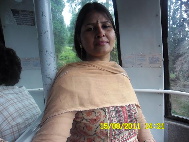 Desi Gaand In Tight Salwar Kamiz Pics