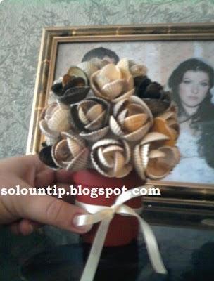 ramito-rosas-con-conchas-mar