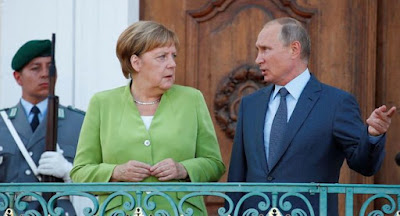 """Путін і Меркель обговорили """"Північний потік-2"""" і ситуацію в Україні"""