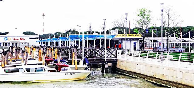 Translado de barco em Veneza