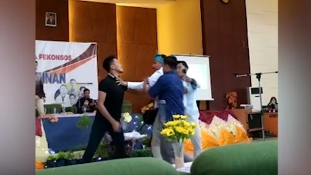 Acara BEM di UIN Suska Riau yang Kritisi Pemerintah Dibubarkan Massa tak Dikenal