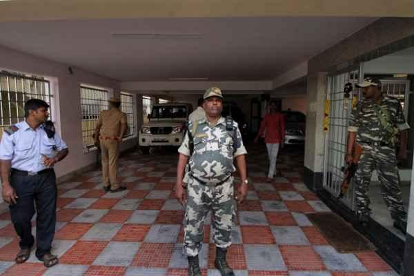 तमिलनाडु के मुख्य सचिव के घर पर छापे की प्रक्रिया पूरी, सरकार ने मुख्य सचिव को पद से हटाया