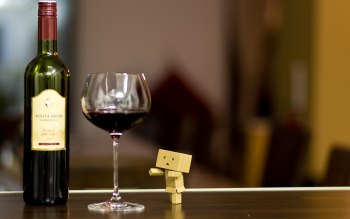 Wallpaper: Danbo and a Glass of Wine