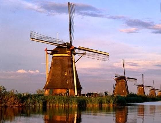 Windmills at Kinderdjjk, Holland