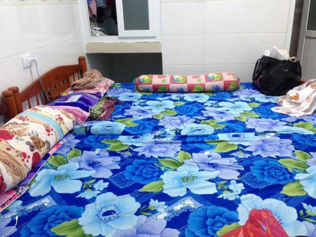 Homestay Lý Sơn này có một phòng lớn có thể chứa 10-15 người và một phòng nhỏ đủ cho 4 người