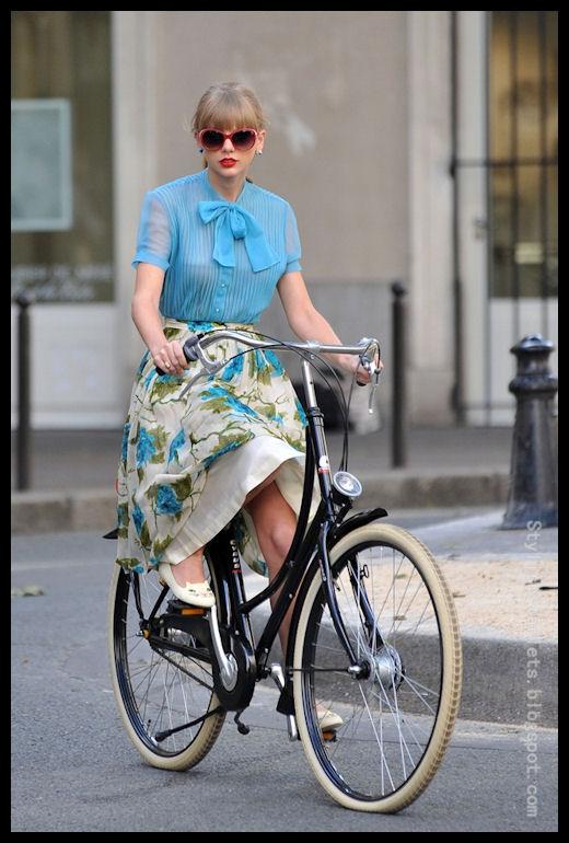 Le Bluse Estive per Fabiola – Il Guardaroba Perfetto della Donna a Fragola Standard