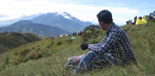 Puncak Gunung Prau