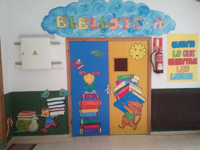Biblioteca escolar bibliotucci nueva decoraci n de la for Puertas decoradas para el dia del libro