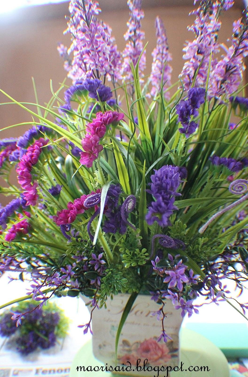 Tambah Kan Lagi Bunga Accessories Di Bahagian Tepi