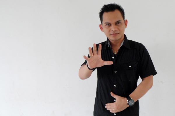"Hasil Penerawangan Mbah Mijan: Pembunuh Mirna Berinisial ""J"""